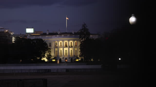 washington, district of columbia, usa: view of the white house at dusk from constitution ave looking across the ellipse two days after the... - winter stock videos & royalty-free footage
