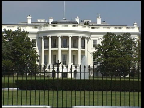 the white house zoom in - war stock-videos und b-roll-filmmaterial