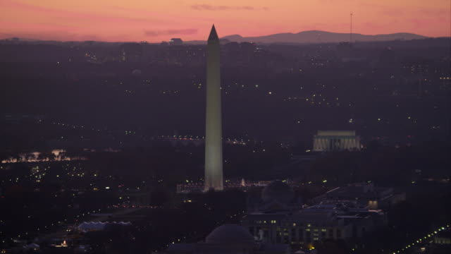 washington monument and lincoln memorial on national mall at dusk. shot in 2011. - artbeats stock videos & royalty-free footage