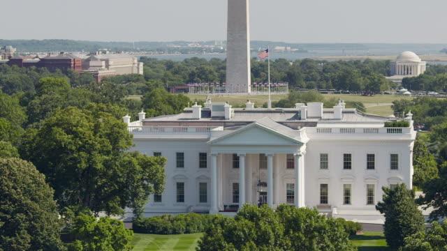 Washington Monument and White House