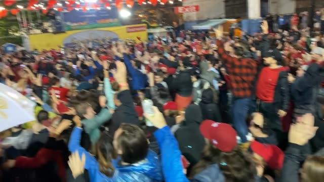 washington nationals fans celebrate the nationals world series victory on october 30, 2019 in washington, dc. the washington nationals defeated the... - baseball world series stock videos & royalty-free footage