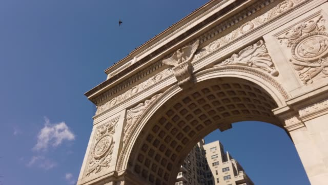 washington square arch, manhattan, new york city, usa - monument stock videos & royalty-free footage