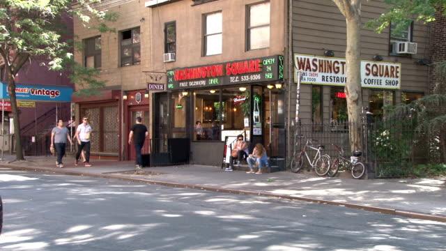 washington square diner - greenwich village nyc - västerländsk text bildbanksvideor och videomaterial från bakom kulisserna