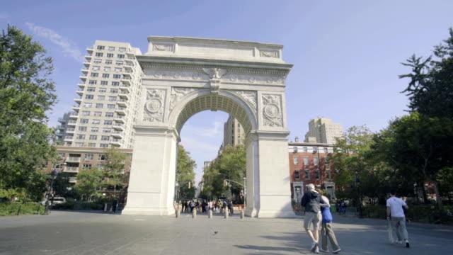 washington square park - establishing shot. - new york university stock videos & royalty-free footage