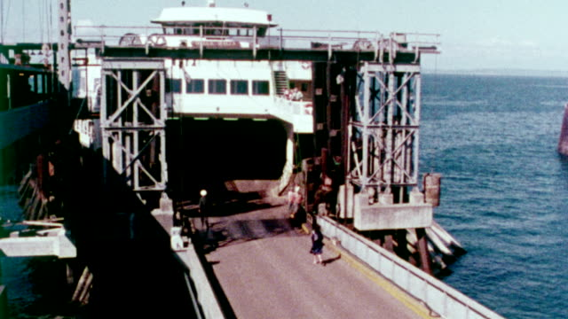 vídeos de stock e filmes b-roll de 1978 washington state ferry - pacífico norte