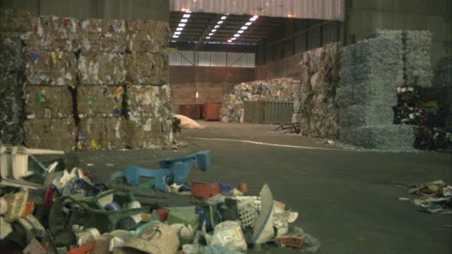 ws pan wastes in civic amenity site / amsterdam, netherlands - 北ホラント州点の映像素材/bロール