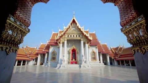 wat benchamabophit dusitvanaram - bangkok bildbanksvideor och videomaterial från bakom kulisserna