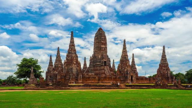 アユタヤの wat chaiwatthanaram 寺院、タイ - 寺院点の映像素材/bロール