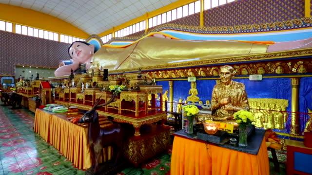 wat chayamangkalaram georgetown penang malaysia - theravada stock videos & royalty-free footage