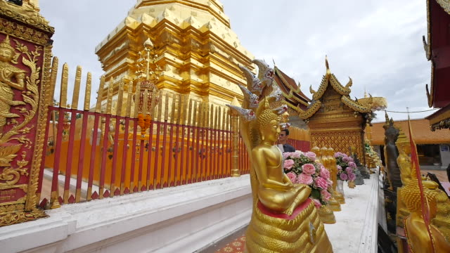 wat phra that doi suthep is the most important temple in chiang mai. - thailändische kultur stock-videos und b-roll-filmmaterial