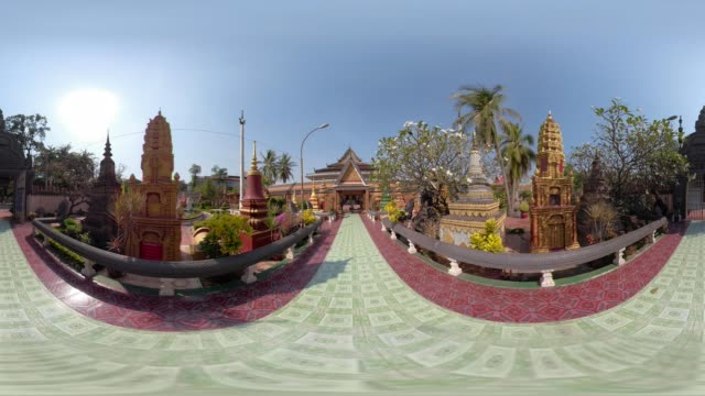 360 vr / wat preah prom rath temple in siem reap town - stupa stock videos & royalty-free footage