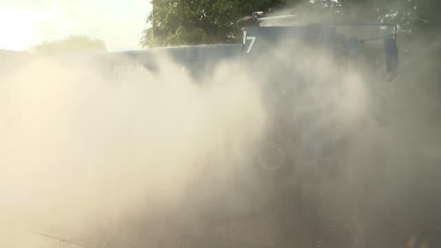 water cannon truck - 放水砲点の映像素材/bロール