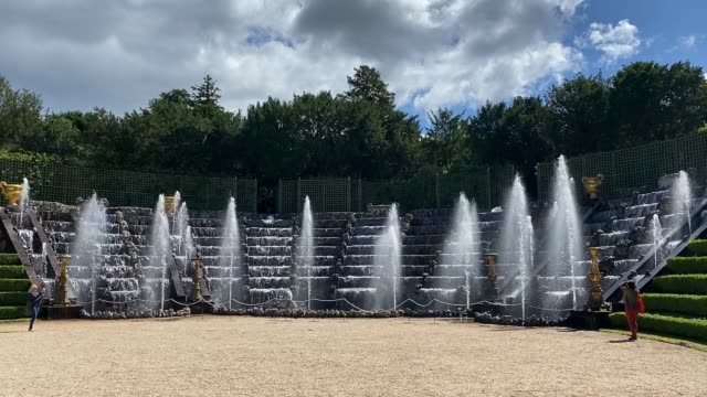 water comes out of the fountains in the gardens at the chateau de versailles as it is reopened to the public on june 06 2020 in versailles france the... - fountain stock videos & royalty-free footage