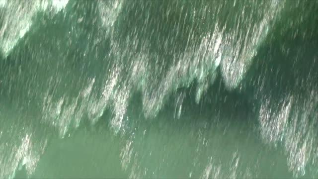 水の装飾 - 水の流れ点の映像素材/bロール