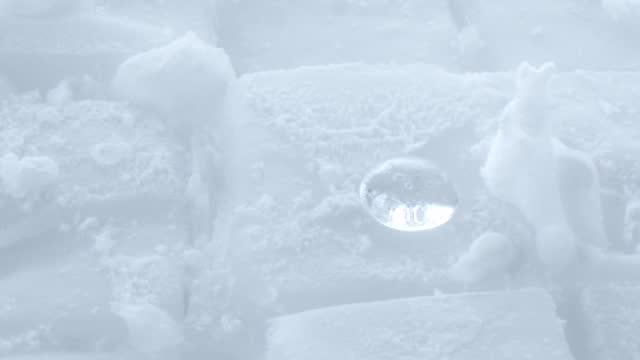 water drop above dry ice - kristall bildbanksvideor och videomaterial från bakom kulisserna