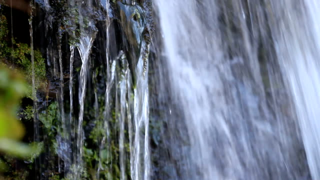 vídeos de stock, filmes e b-roll de queda de água - curso de água