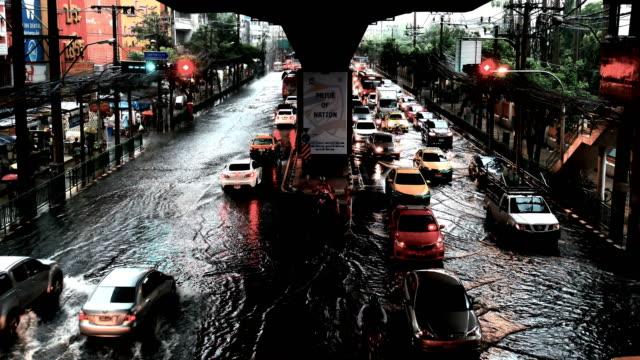 4K VIDEO: Wasser Überschwemmungen in Bangkok, Thailand