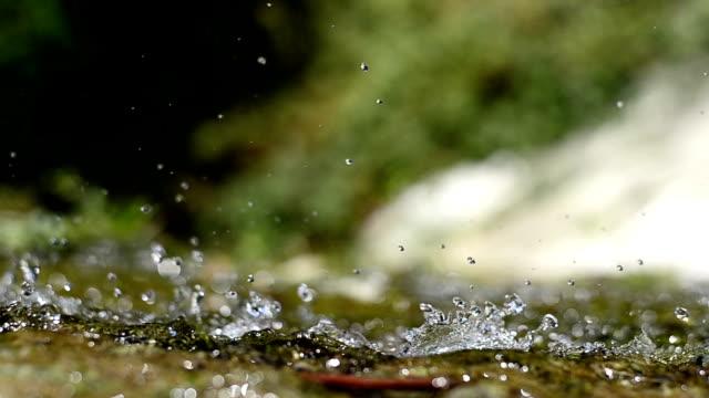 wasser makro - flowing water stock-videos und b-roll-filmmaterial