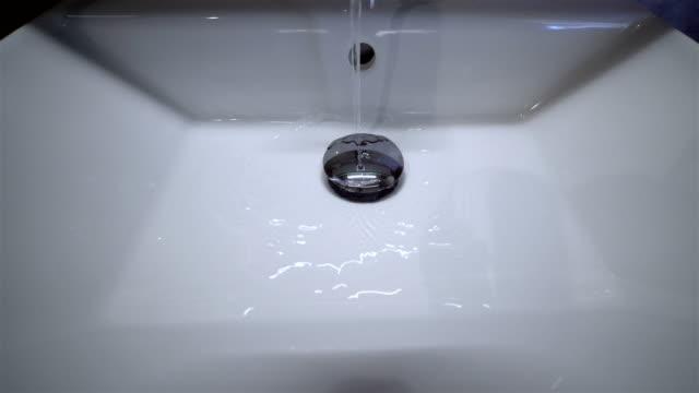 Water Flowing in Sink - Little Flowing - 4K Resolution