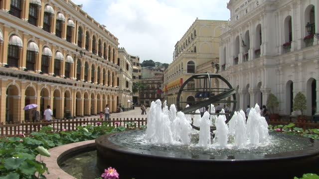 water fountain in the senado square of macau china - leal senado square stock videos & royalty-free footage
