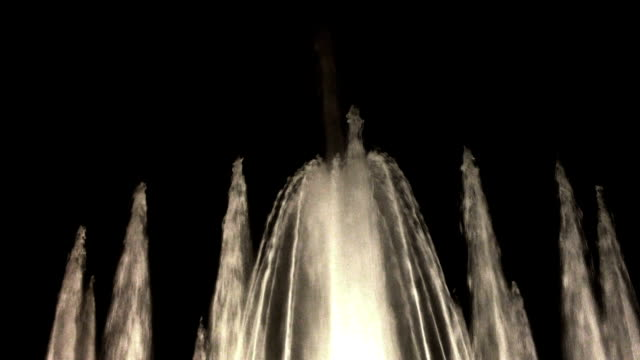 water fountain - fountain stock videos & royalty-free footage