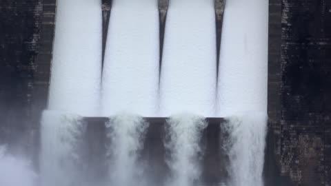 stockvideo's en b-roll-footage met water van dam - dam mens gemaakte bouwwerken