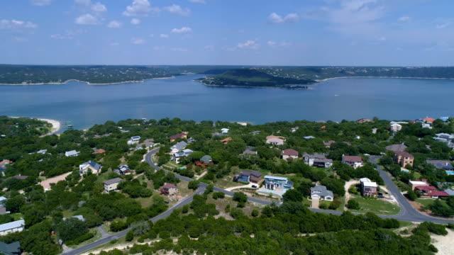 stockvideo's en b-roll-footage met water front property - sunshine lake