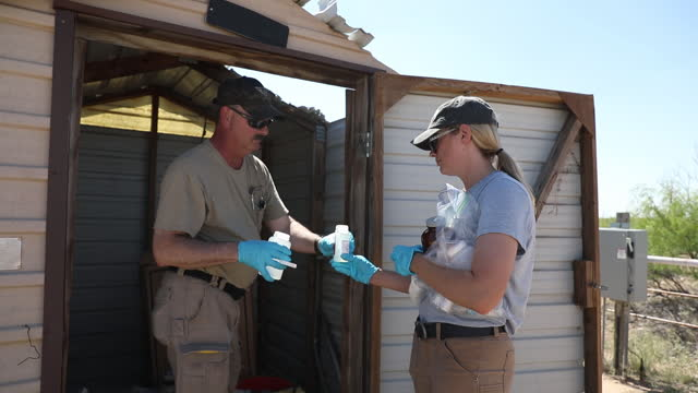 stockvideo's en b-roll-footage met water samples being taken at abandoned chevron oil well on ashley watt's cattle ranch in west texas, after it began leaking last week in monahans,... - aquifer