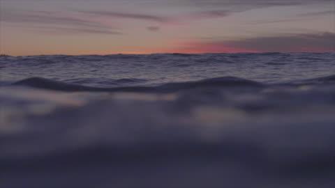 vídeos y material grabado en eventos de stock de water shot of waves breaking in the ocean. - slow motion - surf