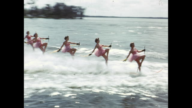1954 montage water ski show, winter haven, florida, usa - barca a motore video stock e b–roll