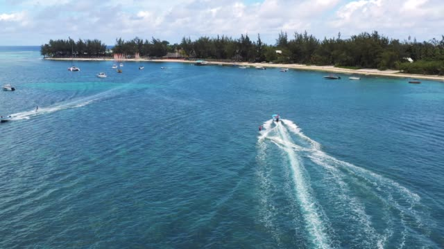 water skiing in mauritius during vacations - waterboarding stock videos & royalty-free footage