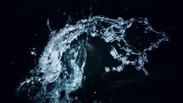 water splash  - wassertropfen stock-videos und b-roll-filmmaterial