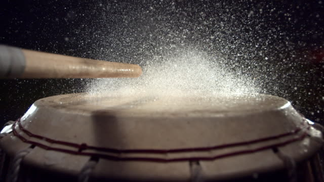 cu slo mo water splashing on traditional drum / seoul, south korea - drum percussion instrument stock videos & royalty-free footage