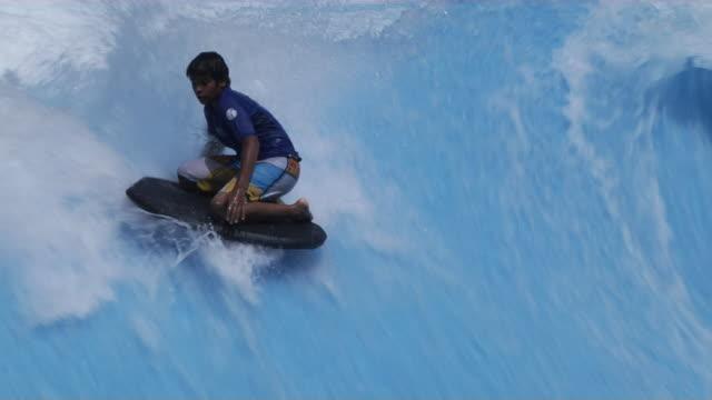 stockvideo's en b-roll-footage met water sport dubai united arab emirates - watersport
