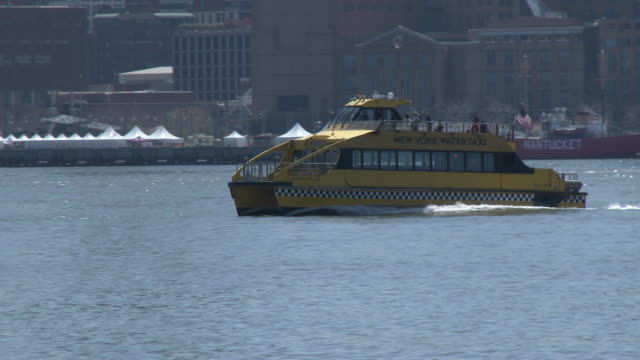 ny water taxi, ny harbor & lower manhattan skyline (freedom tower) - water taxi stock videos & royalty-free footage