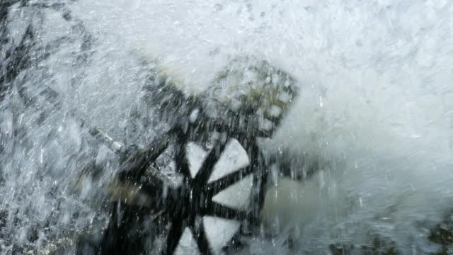 vídeos de stock, filmes e b-roll de turbinas de água para tratamento de águas residuais - equipamento elétrico equipamento industrial