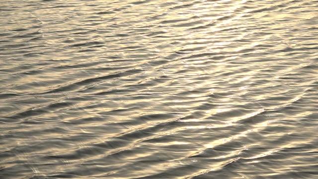vidéos et rushes de l'eau vague slow motion - lenteur