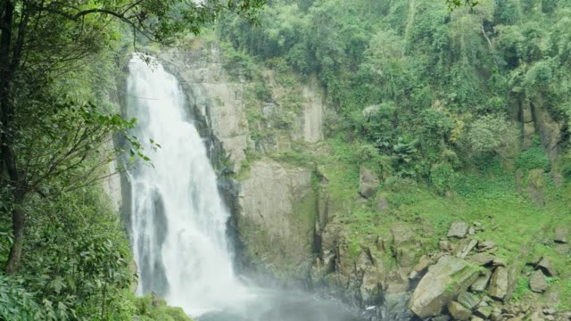 4K : Waterfall at Khao Yai National Park