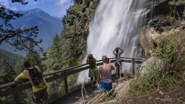 vidéos et rushes de waterfall in austria - bo tornvig