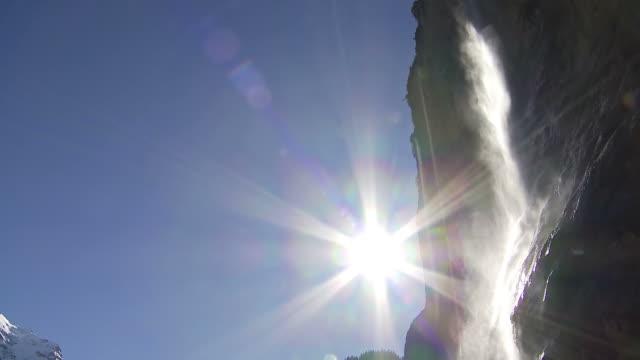 waterfall, staubbachfall - 太陽フレア点の映像素材/bロール