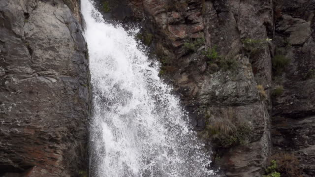 slow motion: waterfall - tongariro national park stock videos & royalty-free footage
