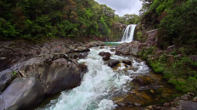 loopable slow motion: waterfall - tongariro national park stock videos & royalty-free footage