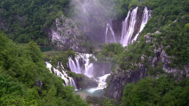 waterfalls of plitvice lakes national park / croatia - rock face stock videos & royalty-free footage