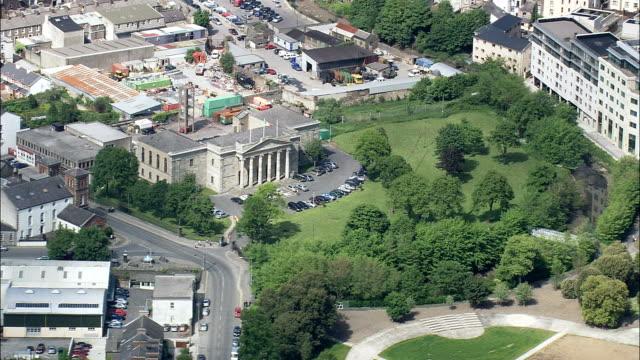 Waterford Court Büros-Luftaufnahme-Leinster, Hubschrauber beim Filmen, Antenne Video cineflex, Eröffnungsszene, Irland