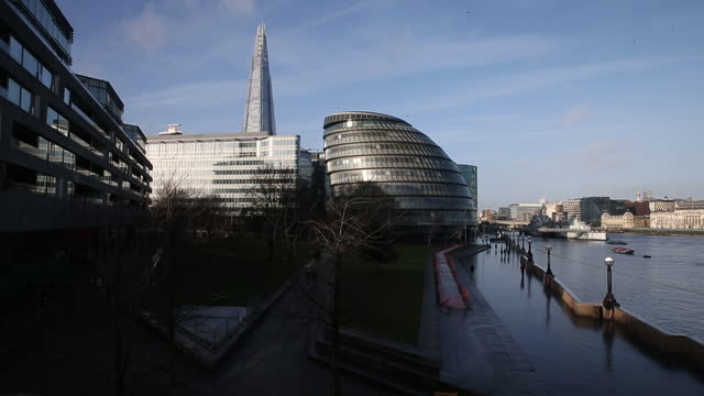 waterfront an cityscape by thames river, in time of brexit, in london, england,u.k., on monday, december 14, 2020. the topsy turvy trade talks... - waterfront stock videos & royalty-free footage