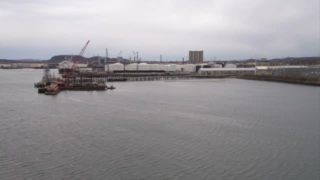 vídeos y material grabado en eventos de stock de waterfront and docks in new haven, connecticut. shot in november 2011. - artbeats