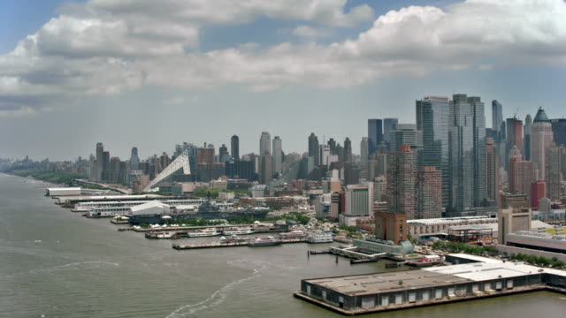 aerial waterfront of hell's kitchen, manhattan - hell's kitchen stock videos and b-roll footage