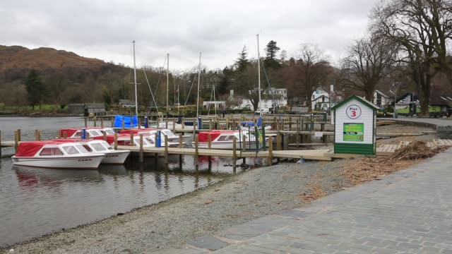 waterhead at the head of lake windermere in ambleside lake district uk during the covid 19 lockdown normally it would be heaving with visitors now it... - cooking pan stock videos & royalty-free footage