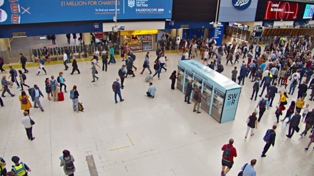 waterloo station. crowd. peak hour - airport stock videos & royalty-free footage