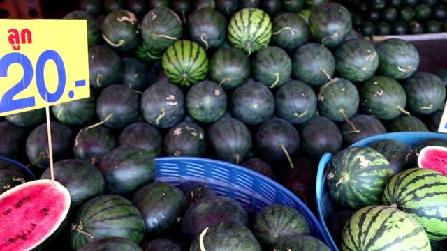 wassermelone - komplett stock-videos und b-roll-filmmaterial